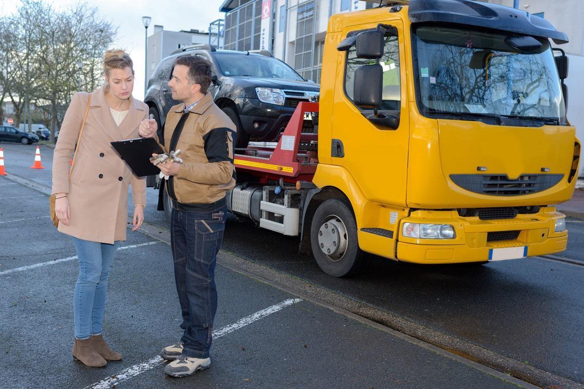 rozmowa z kierowcą pomocy drogowej